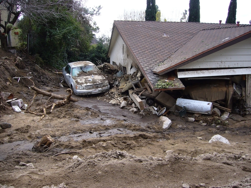 Image of the destruction caused by debris flow in California. (http://gallery.usgs.gov)