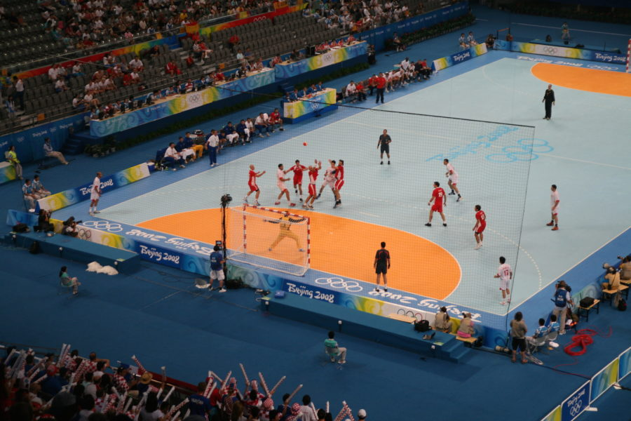 A+look+at+a+Summer+Olympics+indoor+handball+court.+%28commons.wikimedia.org%29