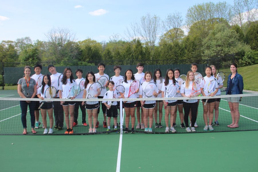 Rectory%27s+2016+JV+Tennis+Team+with+their+coaches%2C+Ms.+Slocum+and+Mrs.+Burke.+The+players+enjoy+working+with+their+coaches+and+feel+they+have+learned+a+lot+of+tennis+skills+from+them.